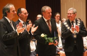 Dr. Vigh Kálmán kitüntetést kapott a városi pedagógusnapon