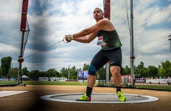 Vb-bronzérmes az ELTE SEK hallgatója