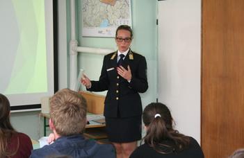 Rendőrségi szóvivő tartott órát a germanisztika szakosoknak