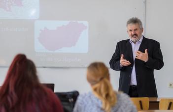 Szlovákiai előadás a Kárpát-medencei történeti családnévatlaszról