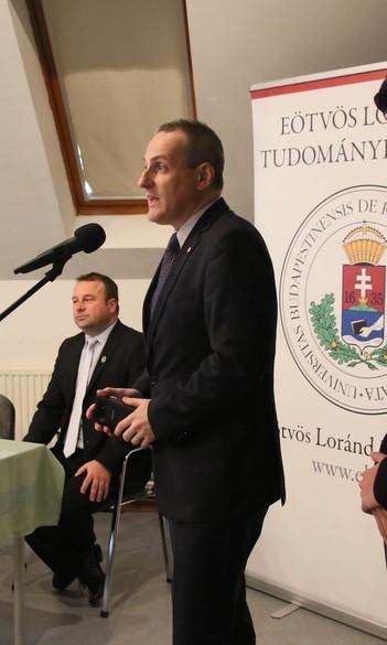 Hat osztály hallgatta meg az ELTE SEK képzési tájékoztatóit a Bolyaiban