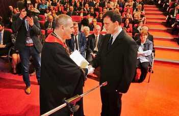 Száztizenegyen kaptak diplomát