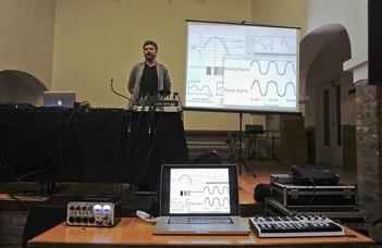 Elektronikus zenei kütyük és beatbox