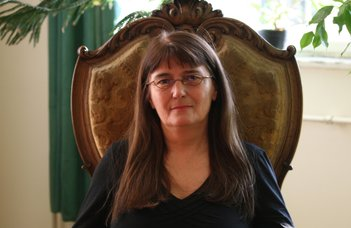 Akadémiai elismerésben részesült Szakmányné Hably Lilla
