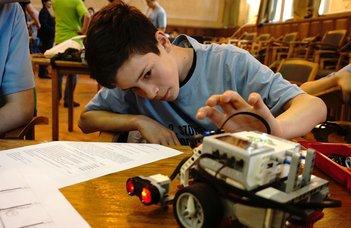 Akadálypálya és szumó robotverseny